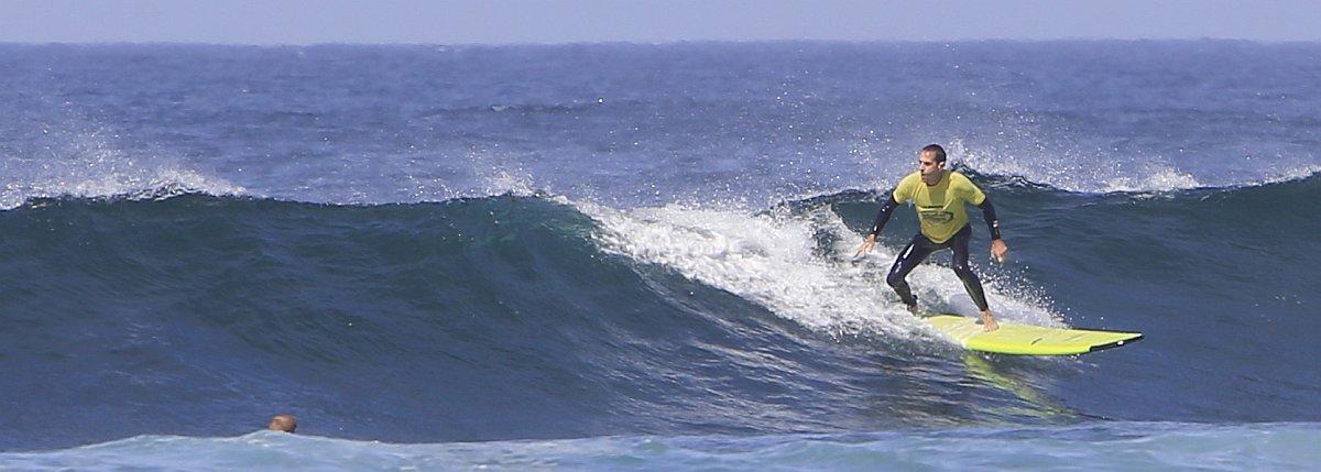 Apprendre à surfer à 40 ans : Fantasme ou Réalité ?